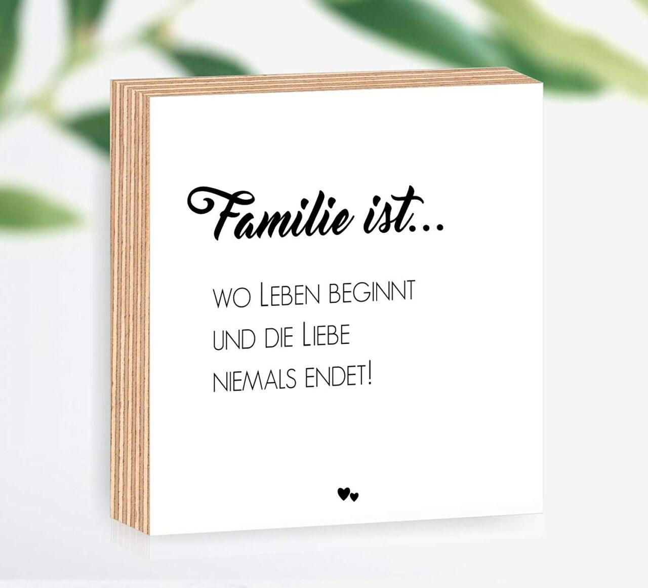 """Holzbild """"Familie ist... wo Leben beginnt und die Liebe niemals endet"""""""